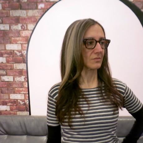 Best stylist for grey hair blending NYC
